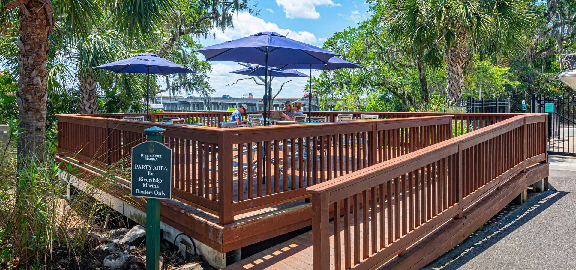 Amenities – Picnic and Grilling Area